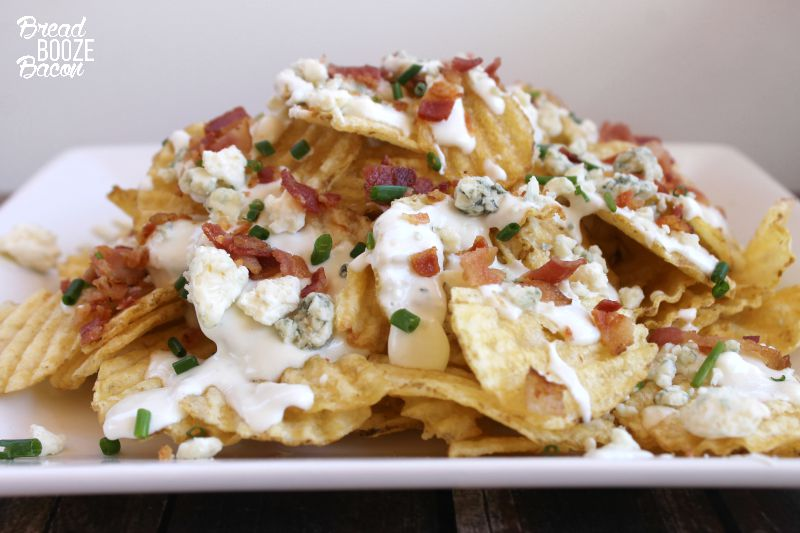Better than your favorite loaded fries, these Copycat Gordon Biersch House Chips are one of my all time favorite restaurant appetizers! #BaconMonth