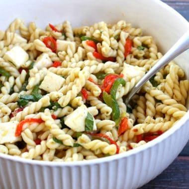 Roasted Pepper Pasta Salad #BrunchWeek | Bread Booze Bacon