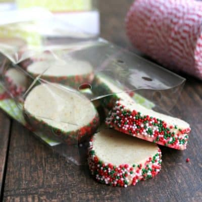 Swedish Christmas Cookies are fun and festive cookies full of winter flavors!