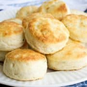 Who needs regular old biscuits when you could have these fluffy and flavorful French Onion Sour Cream Biscuits?!
