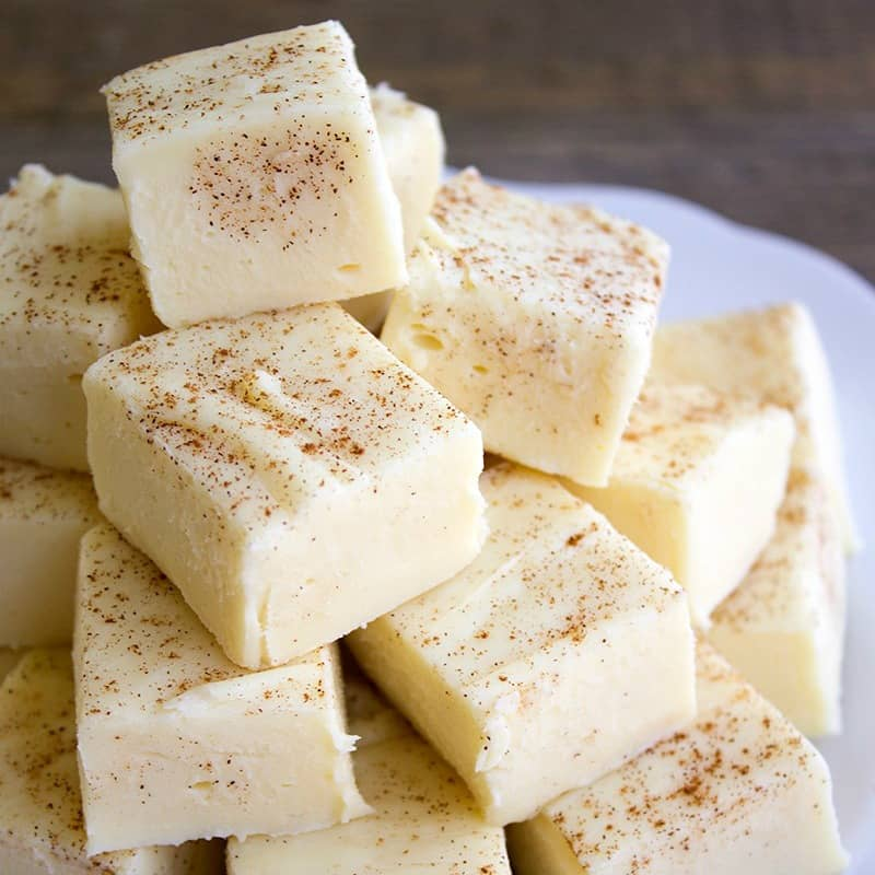 Buttered Rum Fudge is a sinfully good treat you won't be able to stop eating! Full of seasonal flavors, this easy dessert is perfect for the holidays!