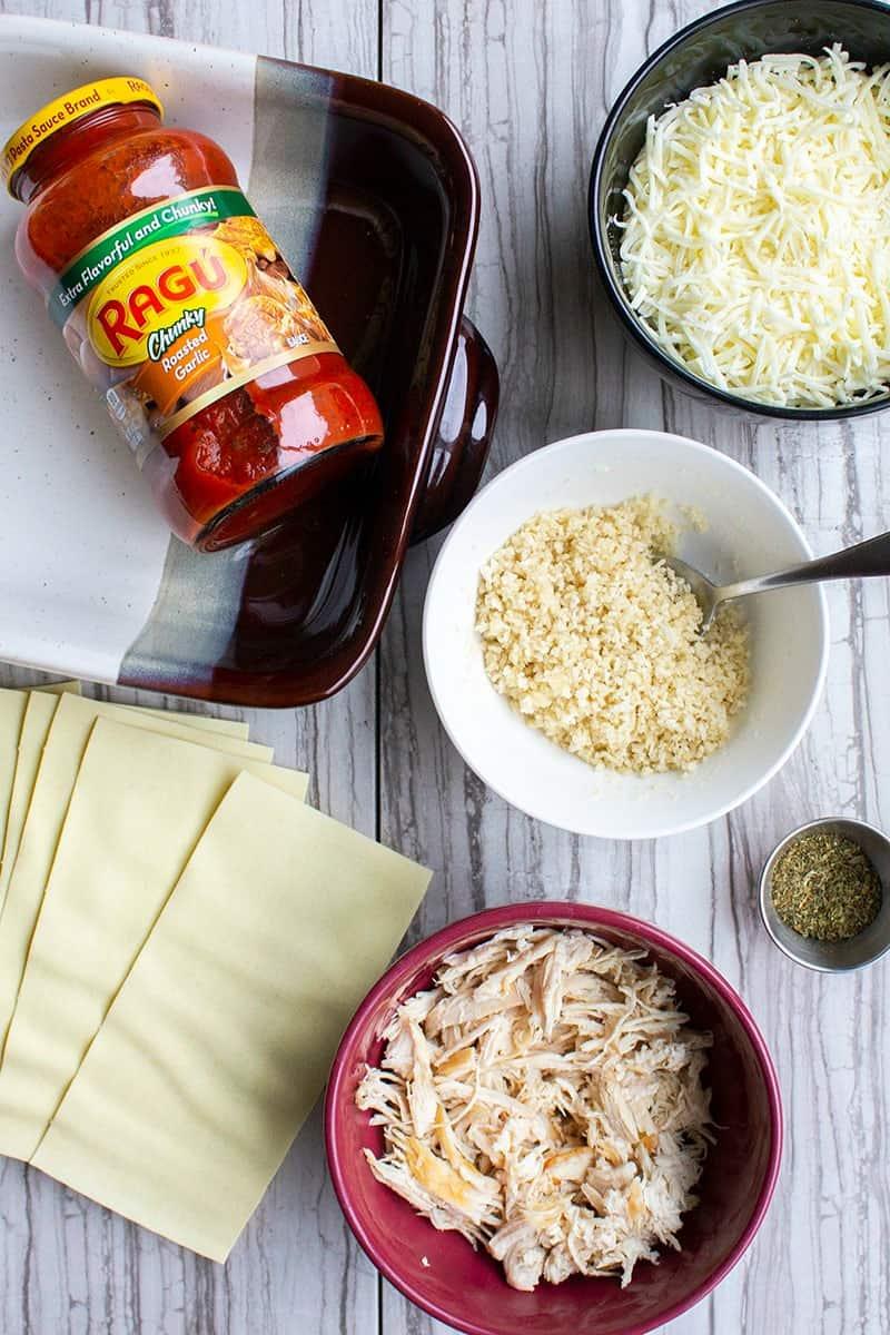 ingredients to make chicken parmesan lasagna