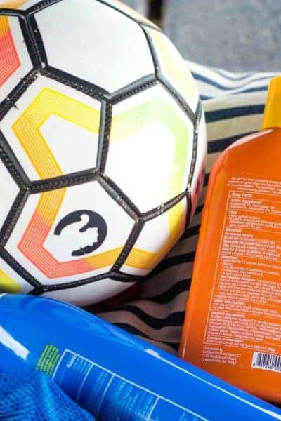 When sports season comes around things get hectic! These 7 Soccer Mom Must Haves will get you ready to cheer on your kiddo and keep them energized for a day of playing hard!