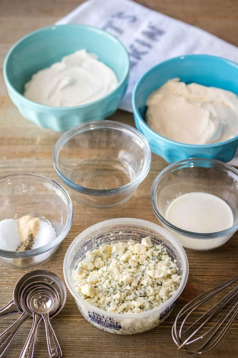 ingredients to make homemade blue cheese dressing