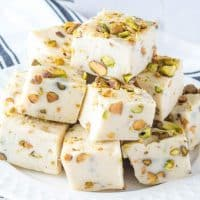 Irish Cream Pistachio Fudge is the perfect combination of booze and white chocolate. It's the perfect indulgence when your sweet tooth kicks in!